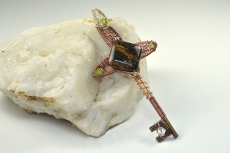Cross Key with Jasper